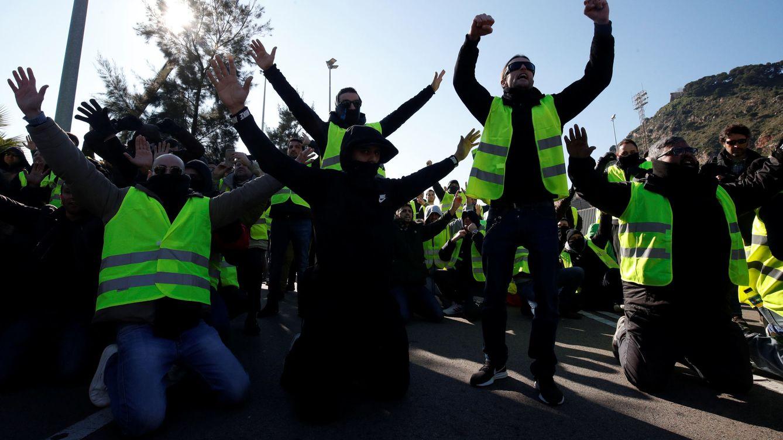 Foto: Taxistas de Barcelona durante la huelga indefinida. (Reuters)
