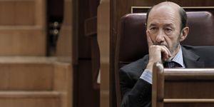 Foto: Zapatero hace añicos la estrategia electoral de Rubalcaba con el déficit cero en la Constitución