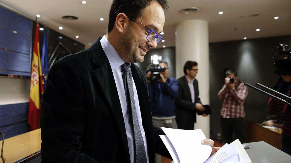 La idea del PSOE de negociar junto a C's descarrila por el rechazo de la izquierda
