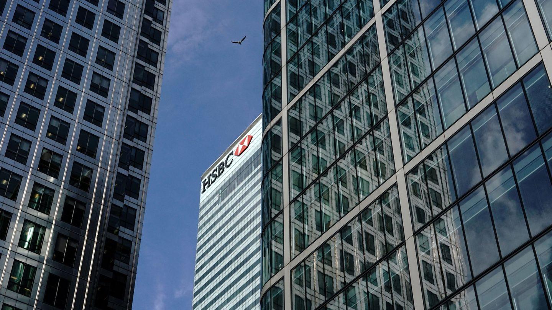 Rascacielos del banco HSBC en el distrito financiero de Canary Wharf en Londres. (Reuters)