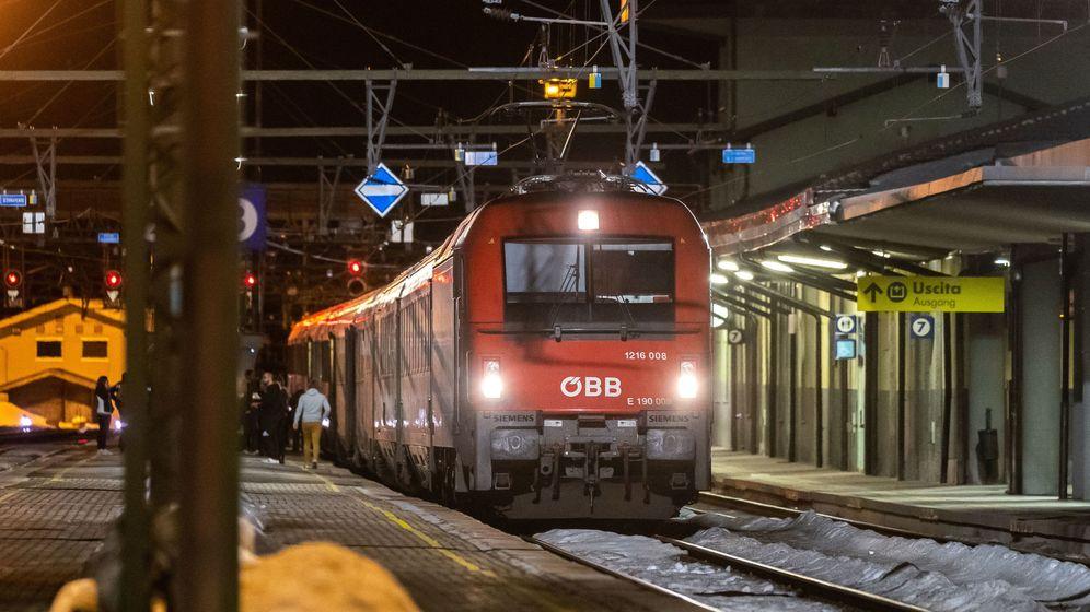 Foto: Austria stops train from italy amid coronavirus