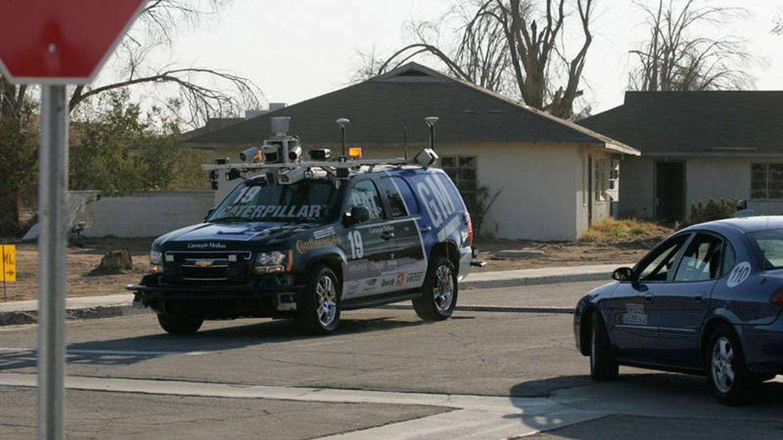El equipo Tartan Racing ganó el DARPA Urban Challenge de 2007 llevaba un lídar de Velodyne (Wikimedia Commons)
