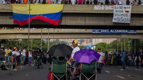 Maduro está huyendo al exilio: las 'fake news' toman la calle en Venezuela