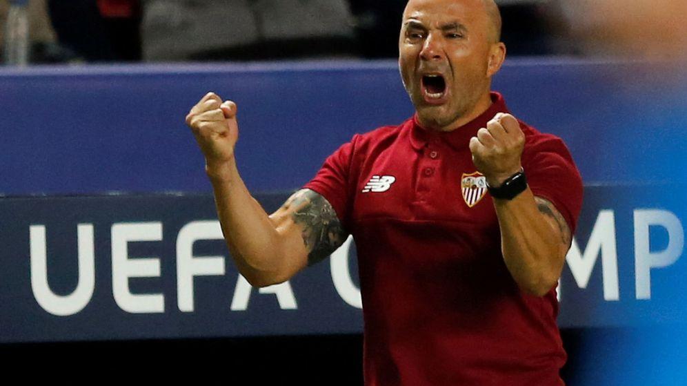 Foto: Jorge Sampaoli, técnico del Sevilla, durante un partido de la Champions. (REUTERS)