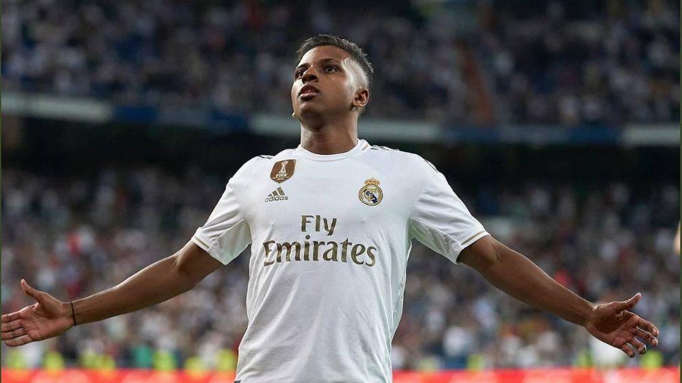 Foto: Rodrygo celebra un gol en el estadio Santiago Bernabéu