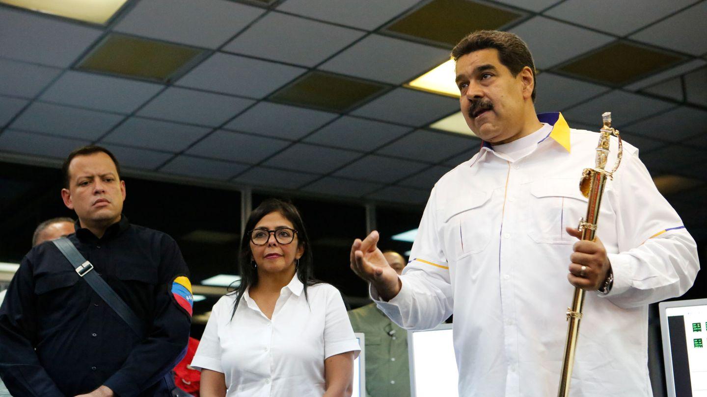 Maduro visita una central hidroeléctrica cercana a la ciudad de Guayana tras el apagón de más de cuatro días.(Reuters)