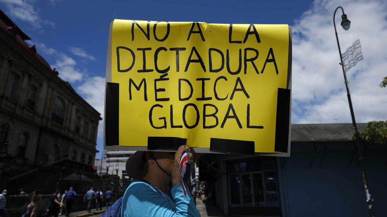 Manifestación de rechazo a la vacuna en San José (Costa Rica) (EFE)