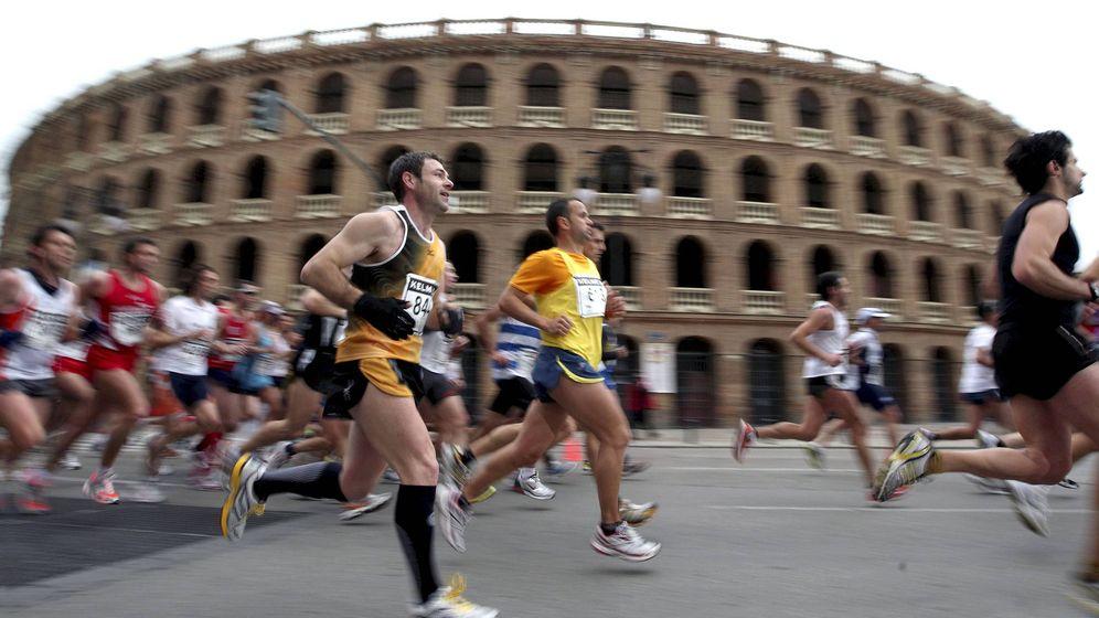 Foto: La Maratón de Valencia es una de las más célebres de toda España. (Efe/Manuel Bruque)