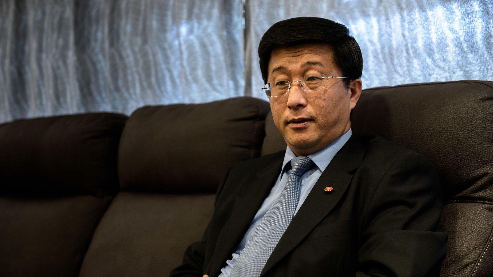 Foto: Kim Hyok-Chol, embajador de Corea del Norte en España. (Foto: D.Muñoz)