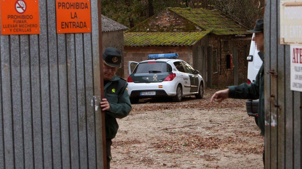 Foto: La Guardia Civil inspeccionó la fábrica (EFE/Salvador Sas)