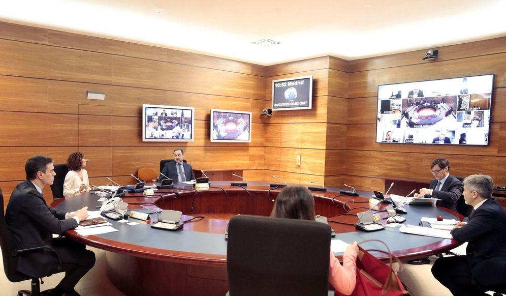 Foto: Pedro Sánchez preside este 24 de marzo el Consejo de Ministros en el búnker de la Moncloa. (EFE)