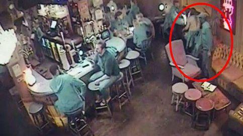 El arma 'secreta' para robar bolsos: un abrigo y 30 segundos