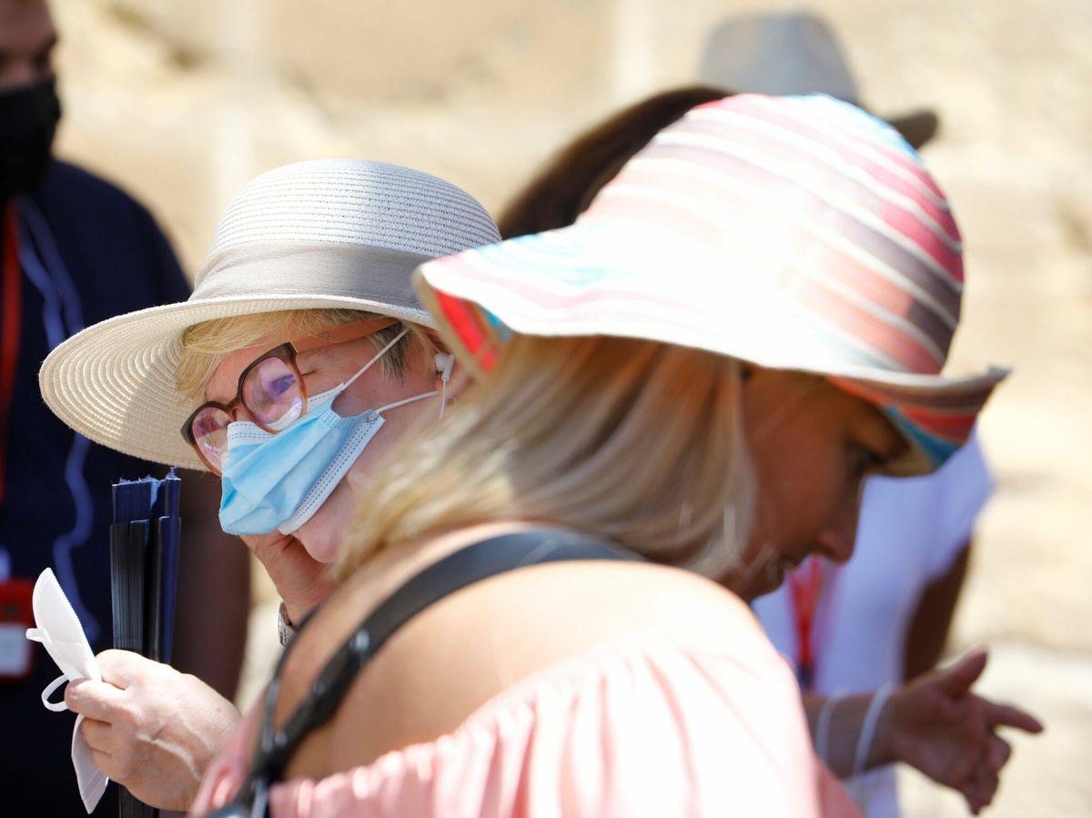Foto: No, la mascarilla no está prohibida y su uso sigue siendo obligatorios en determinados casos. Foto: Efe