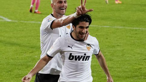 El Real Madrid se desploma en Valencia con tres goles de penalti de Carlos Soler (4-1)