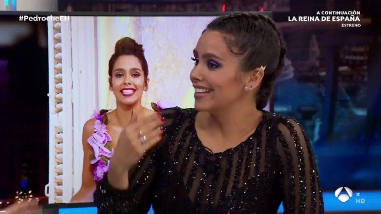 Cristina Pedroche describe su vestido en 'El hormiguero'. (Atresmedia)