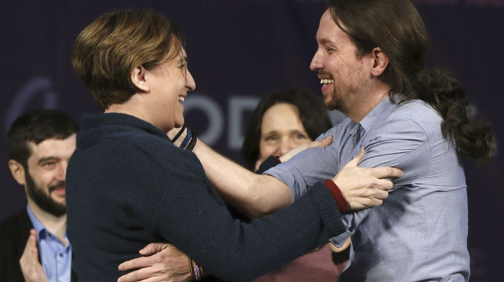 Foto: Ada Colau y Pablo Iglesias, durante el acto de Podemos celebrado el pasado domingo en Madrid. (EFE)
