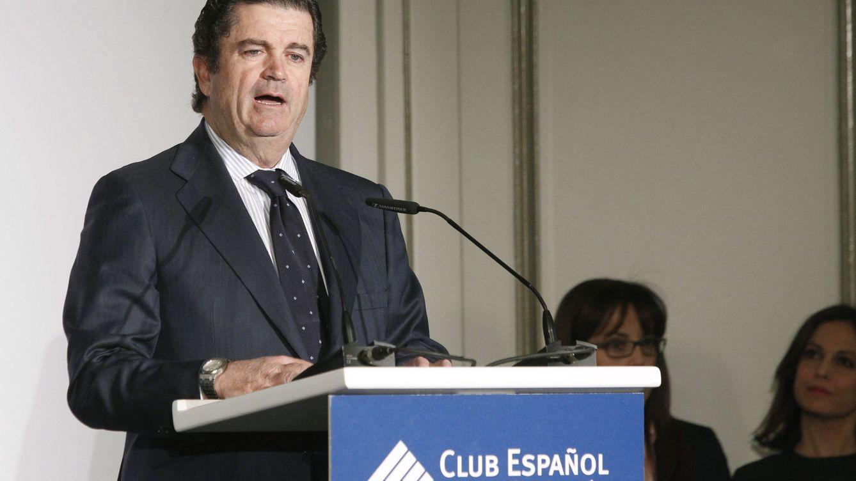 Borja Prado se queda sin su silla en la nueva Mediaset en pleno duelo con Vivendi