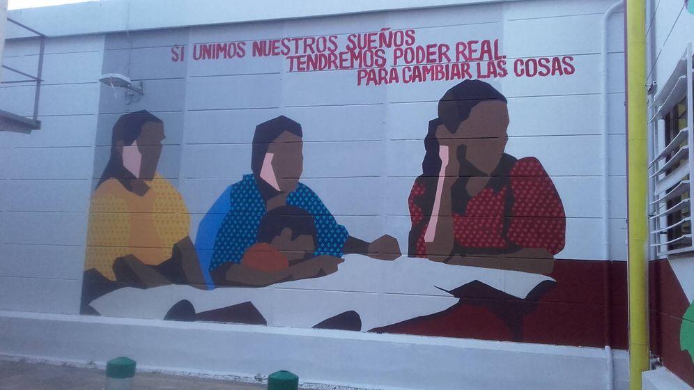 Foto: Un mural junto al Museo de Informática de la Universidad Politécnica de Valencia. (Y. T.)
