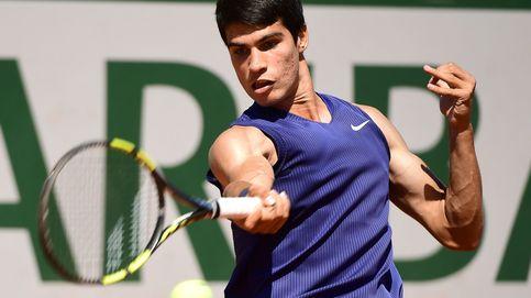 Carlos Alcaraz arrolla al cabeza de serie número 28 y pasa a la tercera ronda de Roland Garros