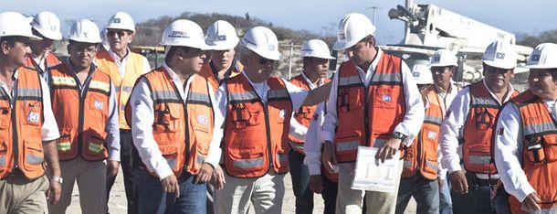 Foto: Trabajadores de la empresa ICA. (Foto: ICA)