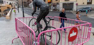 Post de Destrozan la estatua de bronce homenaje a Federico Martín Bahamontes en Toledo