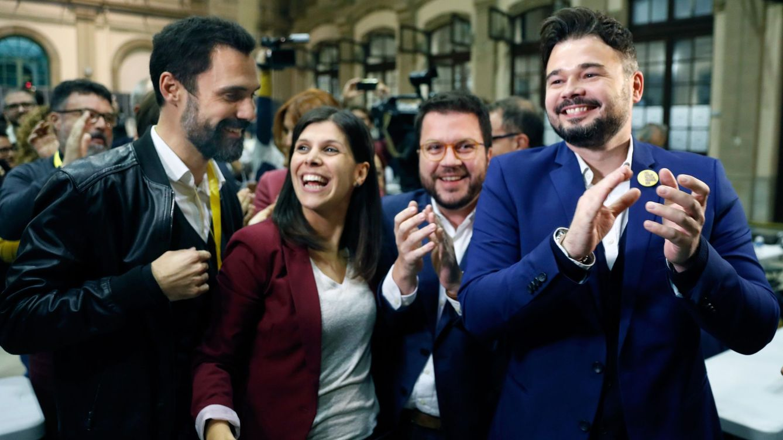 ERC presiona al PSOE con una consulta exprés e insiste en una mesa de negociación