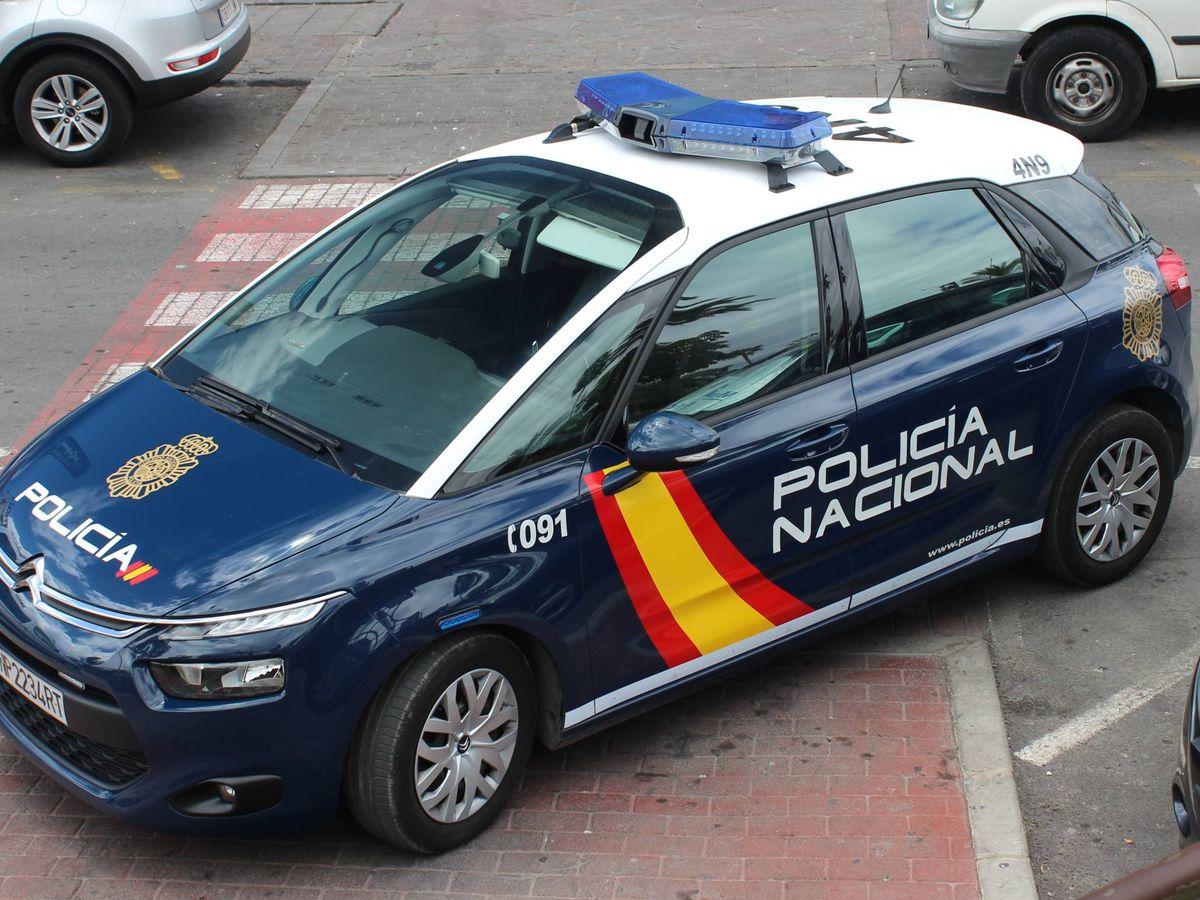 Foto: Imagen de archivo de un vehículo de la Policía Nacional. (Wikimedia Commons)