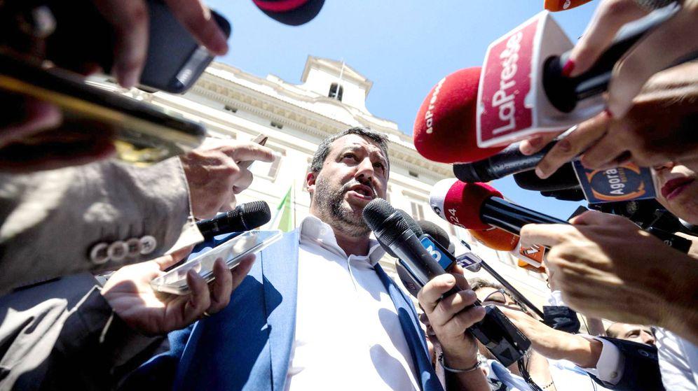 Foto: Matteo Salvini dando declaraciones a la prensa. (EFE)