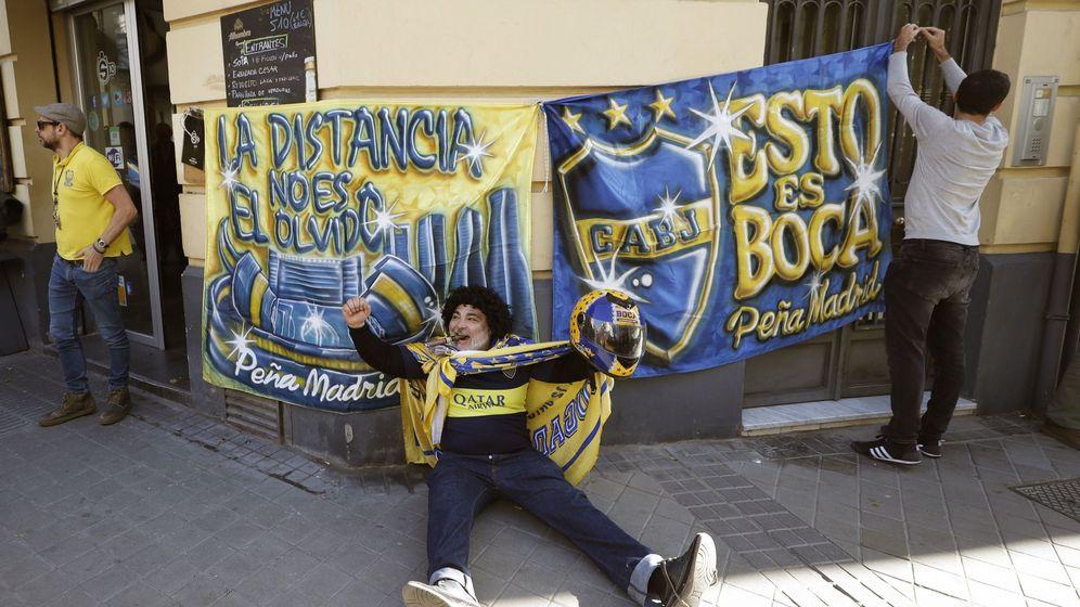 Foto: La peña de Boca Juniors en Madrid se prepara para la final de la Copa Libertadores. (EFE)