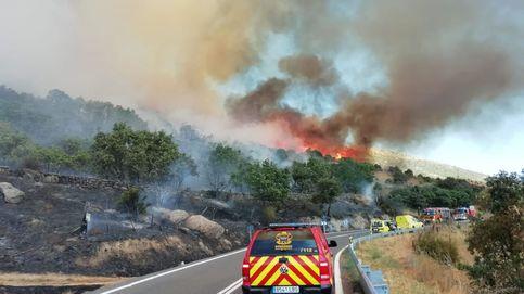 La UME interviene en el incendio de Robledo de Chavela (Madrid) y desalojan viviendas