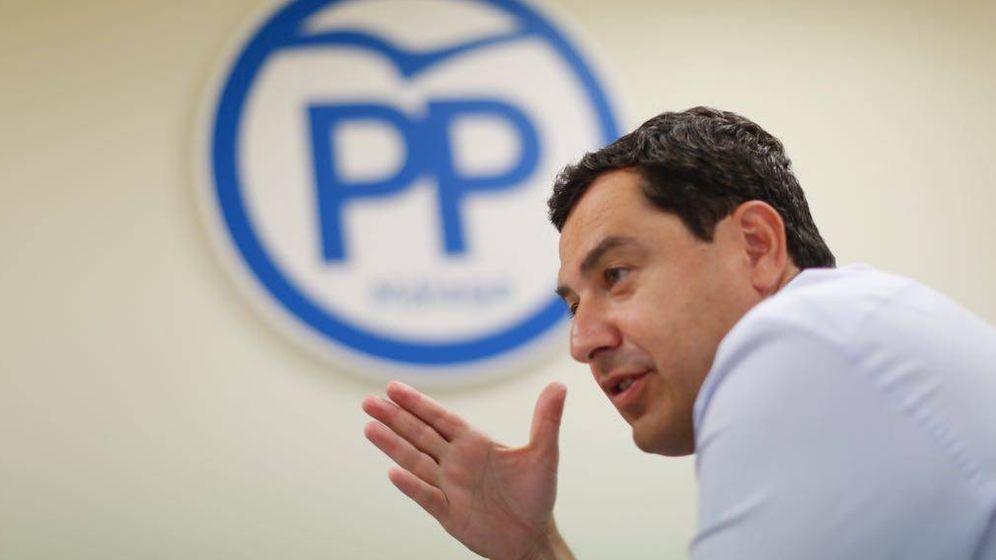 Foto: El presidente del PP-A, Juanma Moreno, ayer en la sede del PP de Málaga.