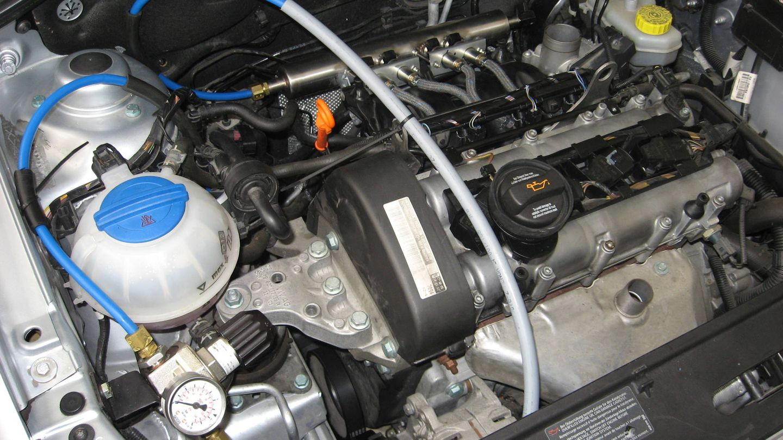 Este es el motor de hidrógeno adaptado por los investigadores de la universidad navarra (Fuente: Pedro Diéguez)