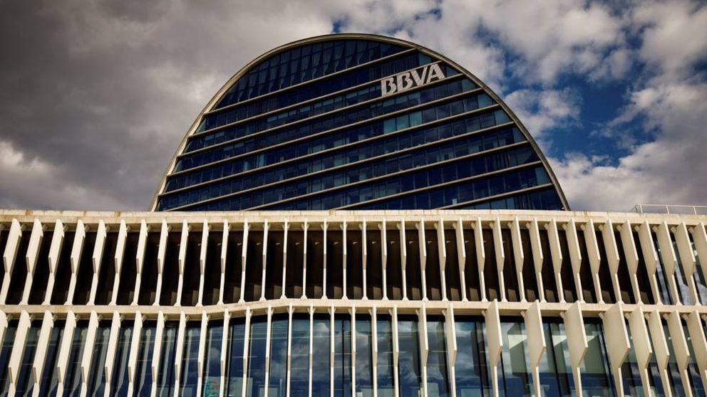 BBVA admite un golpe de 1.350 M por EEUU y cambia de jefe en España