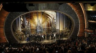 Ridículo: los titiriteros de 'la zeja' la vuelven a montar en los premios del cine
