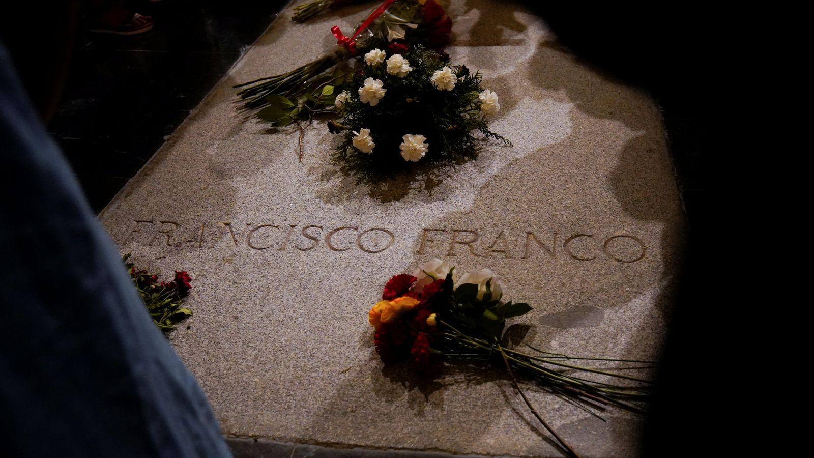 Foto: La tumba del dictador en el Valle de los Caídos. (Reuters)