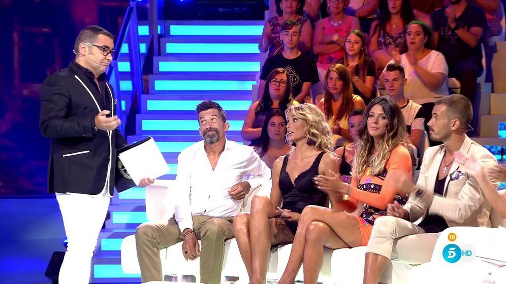 Foto: Jorge Javier Vázquez discute con Alba Carrillo en 'Supervivientes'. (Mediaset España)