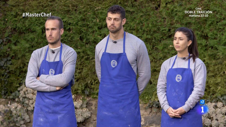 Arnau, José y Ofelia, en 'Masterchef'. (TVE)