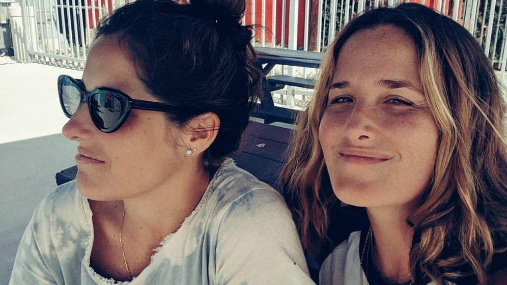 Foto: Icíar y Macarena, en una foto antigua. (Instagram @yoguichimum)