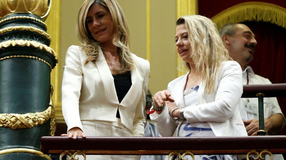 Foto: Begoña Gomez, en la tribuna del Congreso. (EFE)
