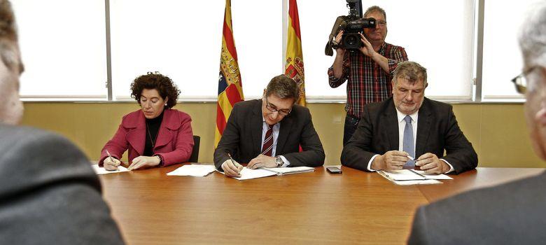 Foto: Las autoridades informan de que aumentan a 26 las personas ingresadas por gripe A en Aragón. (EFE)