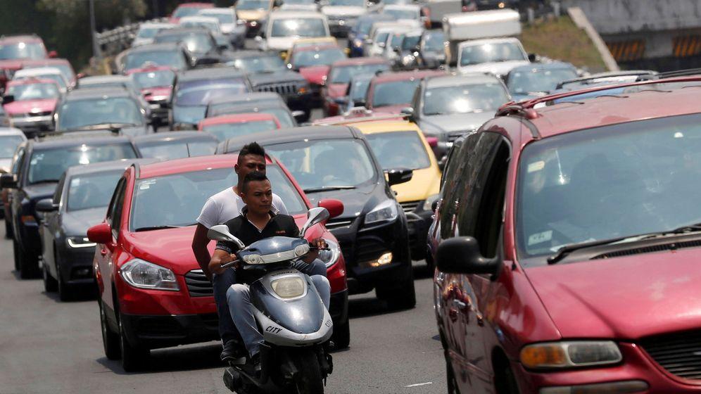Foto: Vehículos en Ciudad de México. (Reuters)
