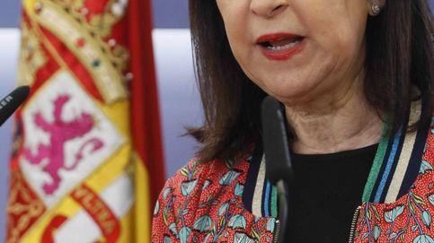 Las 30 chaquetas (casi todas de cuero) de Margarita Robles, nueva ministra de Defensa