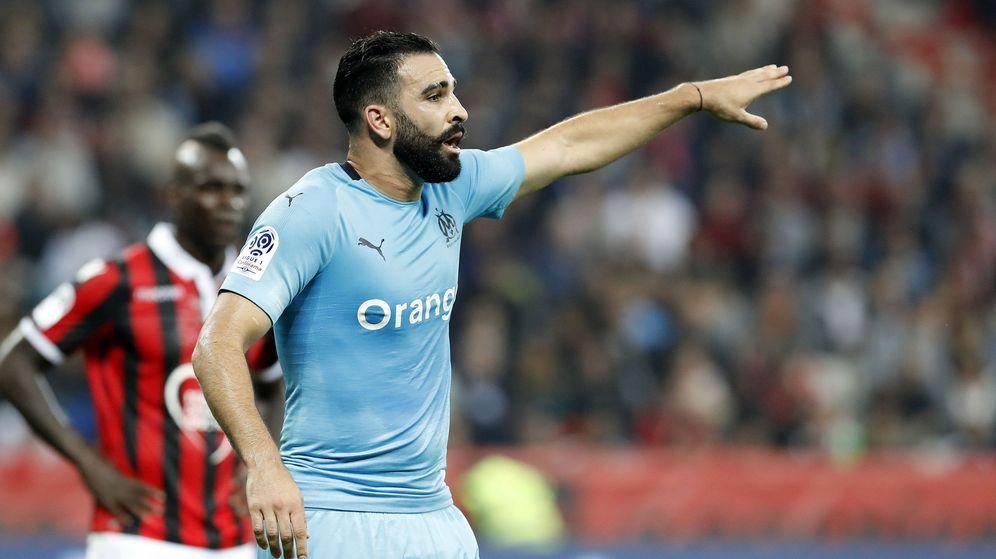 Foto: Adil Rami, durante un partido entre el Olympique de Marseille y el OGC Nice (EFE)