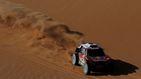 La agresividad de Carlos Sainz en el Dakar: aplasta a sus rivales en las dunas