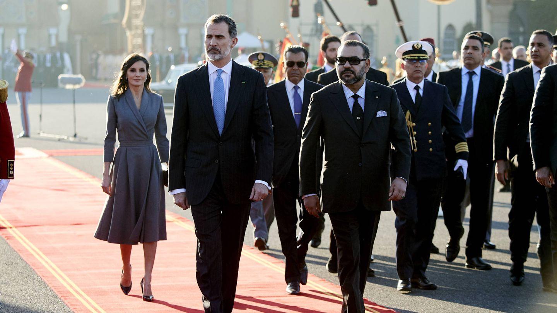 Los Reyes de España, junto a Mohamed VI en Rabat en 2019. (Getty)
