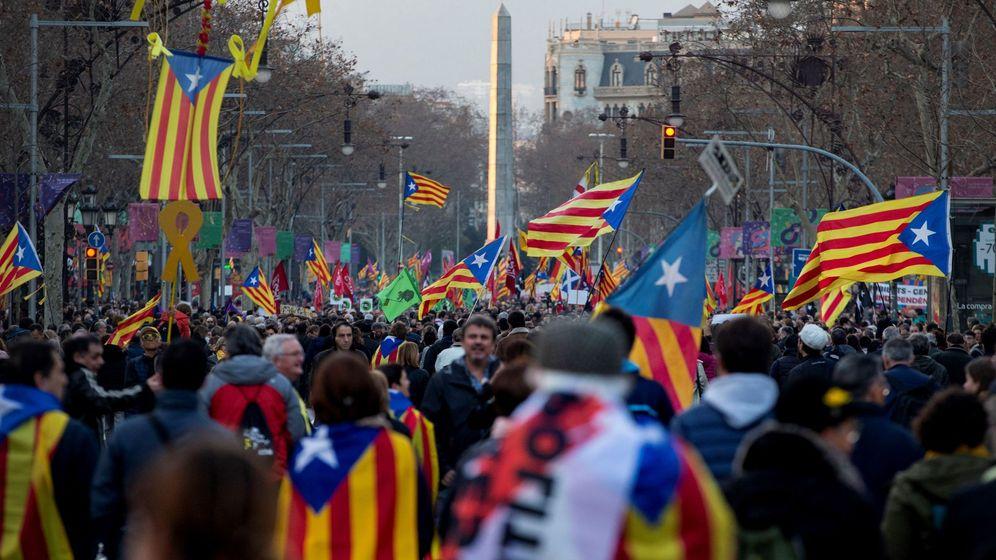 Foto: Manifestaciones en Barcelona contra el juicio del 'procés'. (EFE)