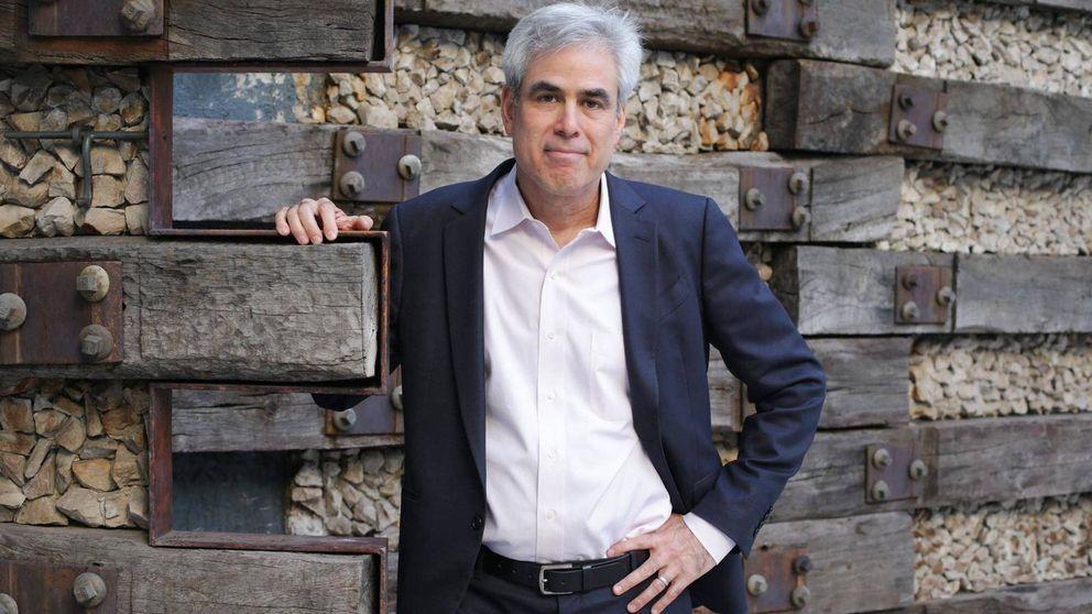 Jonathan Haidt: Si quisiera destruir la democracia, inventaría las redes sociales