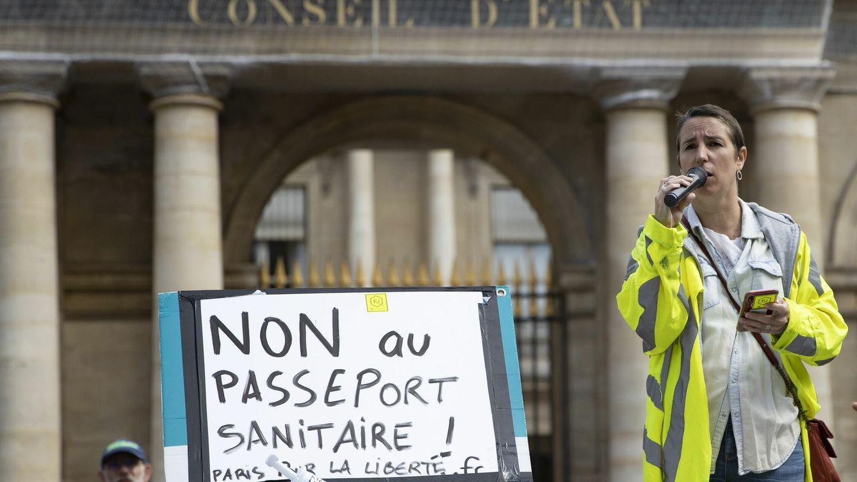 La justicia francesa da vía libre al uso del certificado covid para entrar a los bares