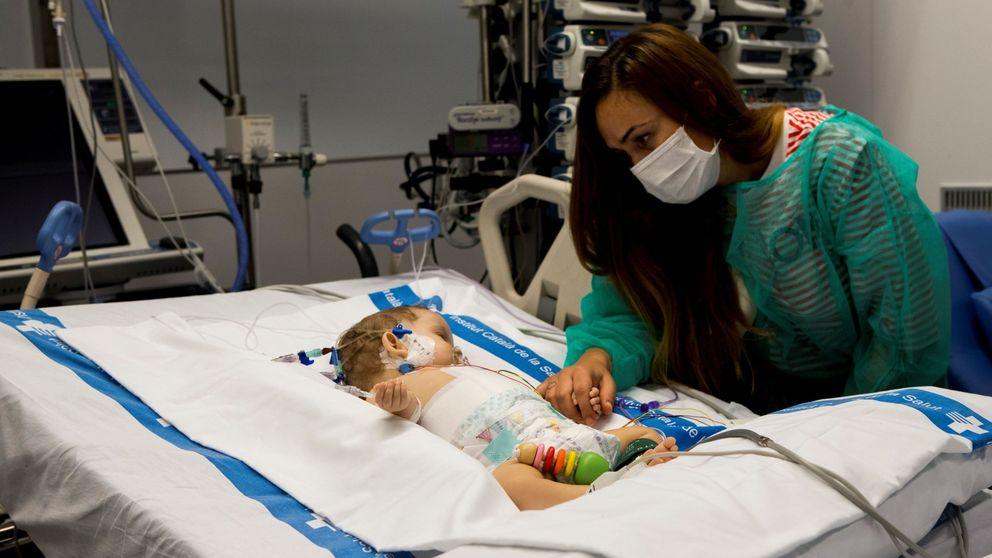 Nuevo hito del Hospital Vall d'Hebron: trasplantan un solo hígado a dos niñas
