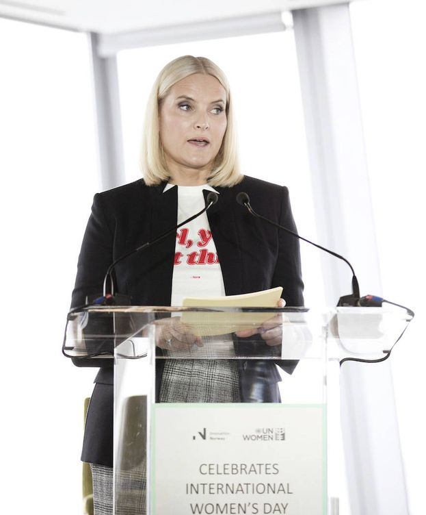 Foto: La princesa Mette-Marit durante su discurso. (Kongehuset)